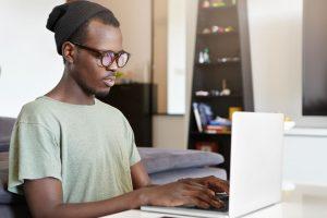Entenda como acontece a jornada do cliente no seu site