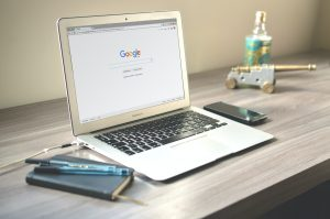 Qual a diferença entre busca orgânica e links patrocinados